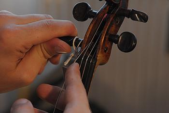 violin_string_peg_2